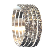 Load image into Gallery viewer, 4 pcs Oxidised/German silver Floral design bangles