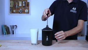 using tuttocrema milk frother