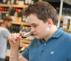 Wine Tasting 101 - A Short Guide for First Timers