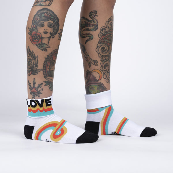 Groovy Love Turn Cuff Crew