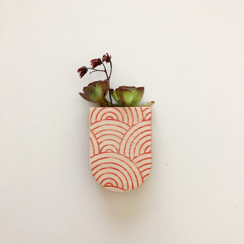 Magnetic Planter Pot