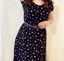 Load image into Gallery viewer, Vintage Long Flower Black Dress