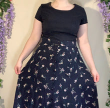 Load image into Gallery viewer, Vintage Floral Maxi Skirt
