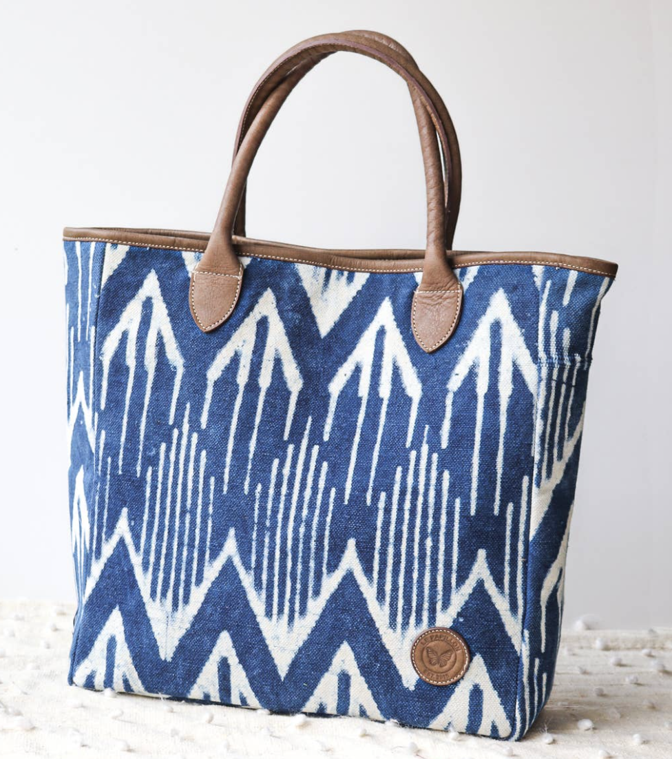 Le Papillon Cotton Rug & Leather Tote
