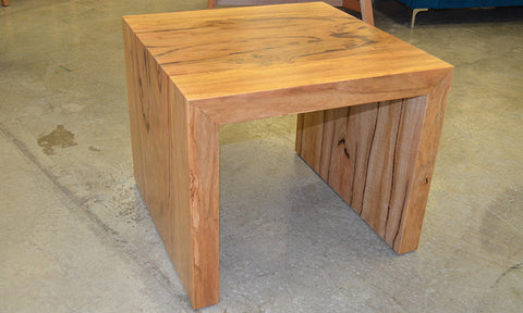 Baye Lamp Table