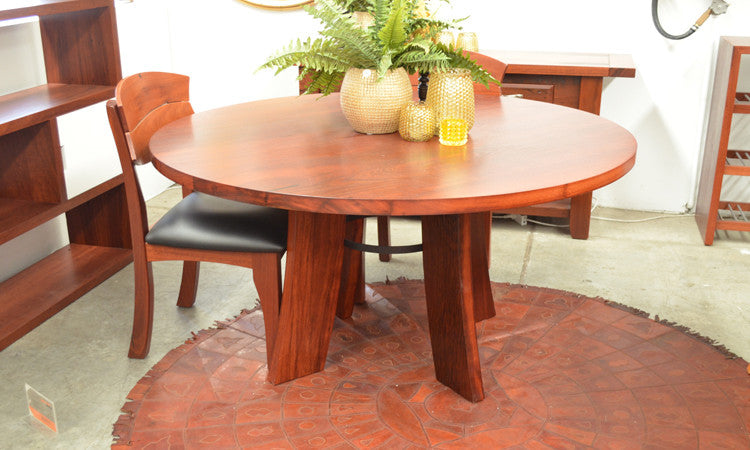 Oceanic Round Dining Table