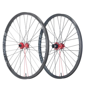 Enduro 305- Hydra Wheelset (SuperBOOST)