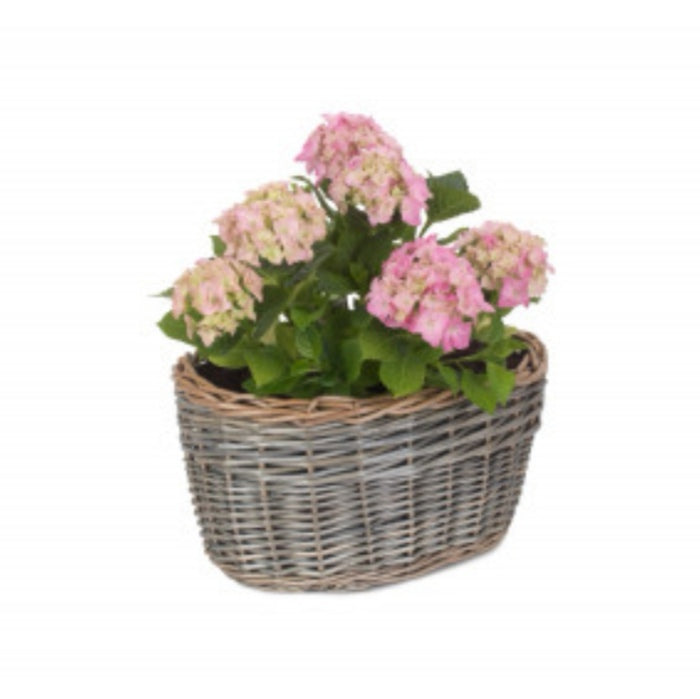 Oval wicker planter