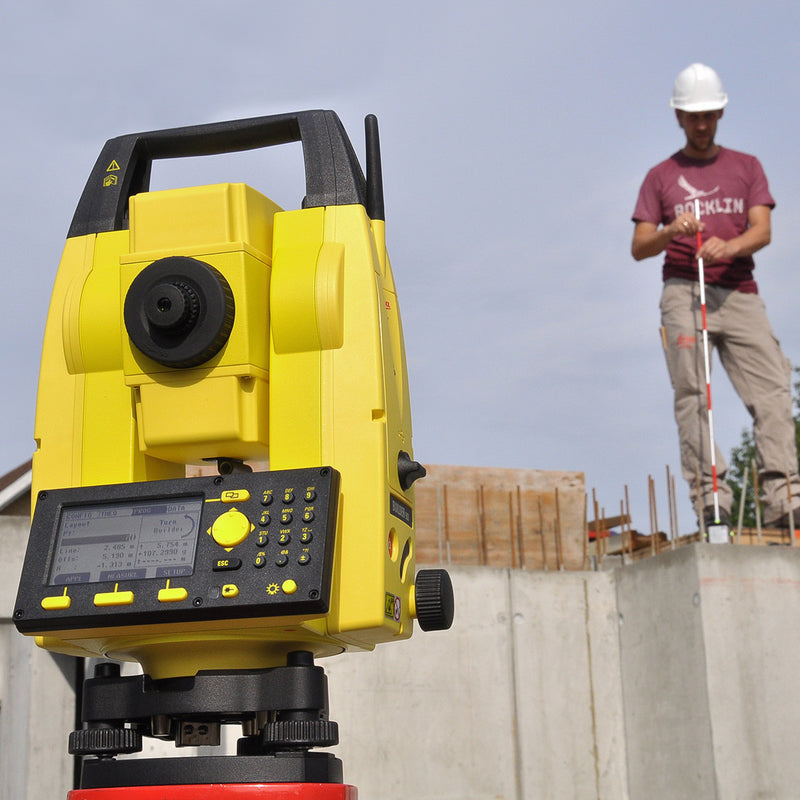 Leica Builder 500 Theodolite being used on a construction site
