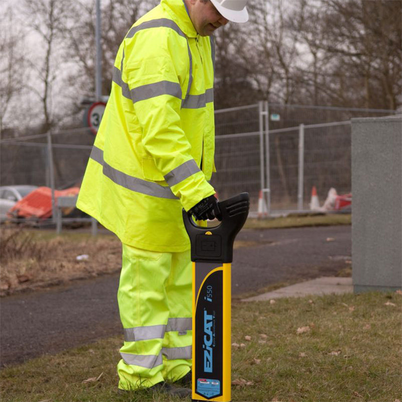 EZiCAT™ i550 Cable Locators being used on site