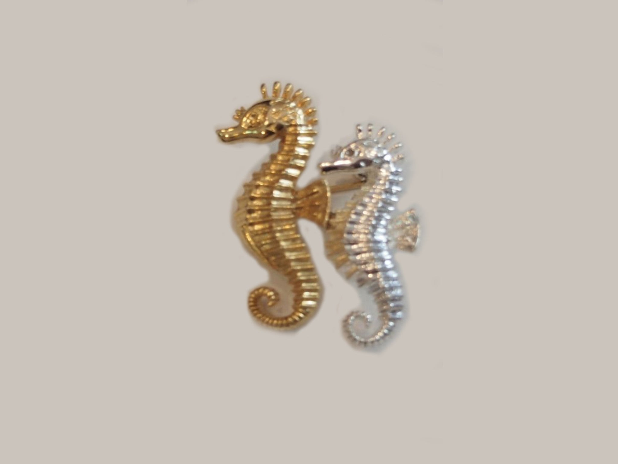 A Couple Of Seahorses Vintage Brooch