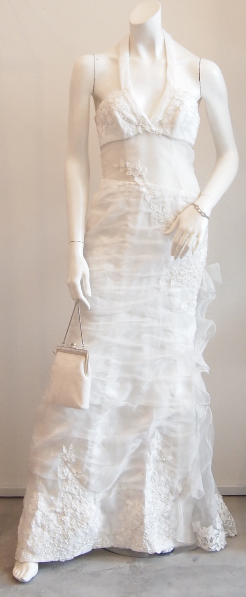 YOUR ONE-OF-A-KIND VINTAGE WEDDING DRESS