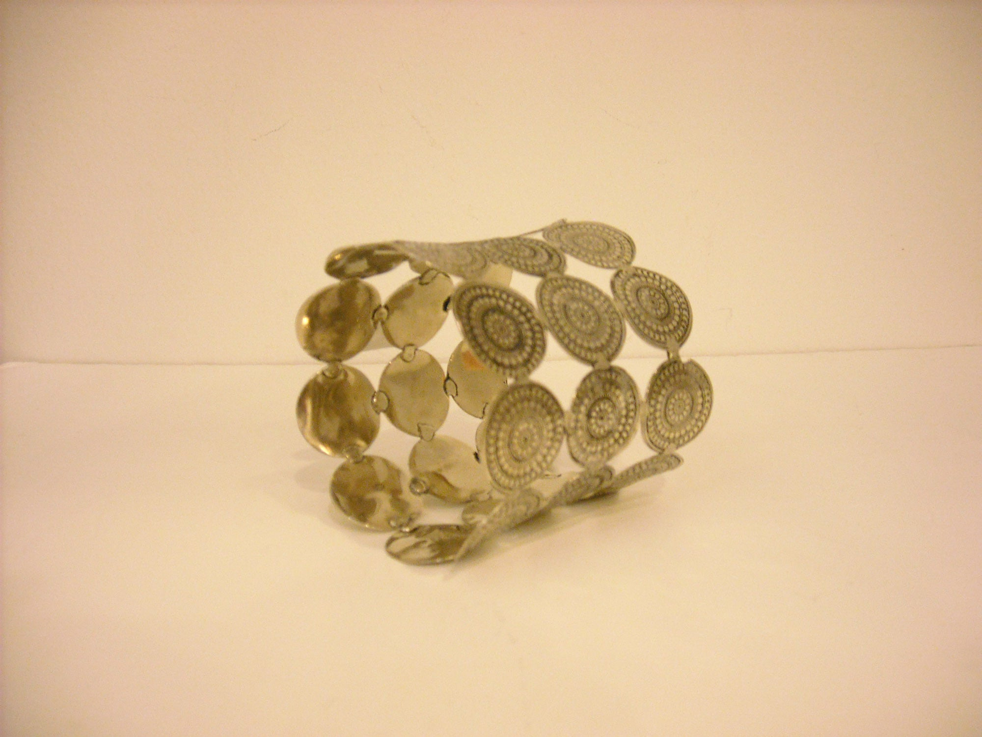HANDMADE SUNDIAL 3 TIER SILVER BANGLE