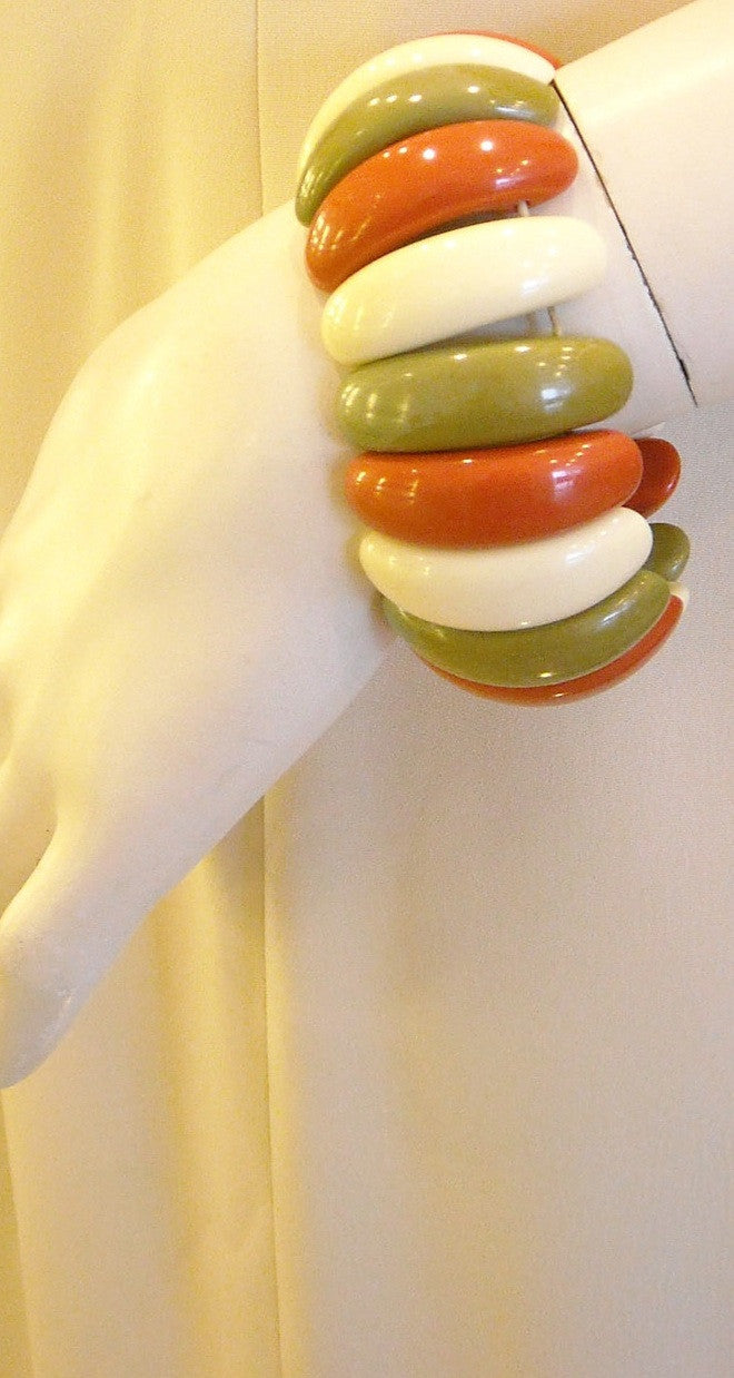 Vintage 60s Red and Green Stretch Bangle