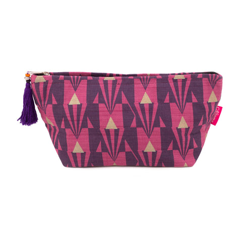 Large Arrow Washbag