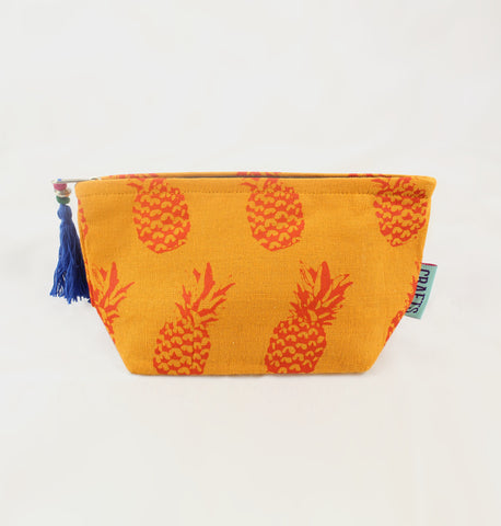 Small Pineapple Washbag