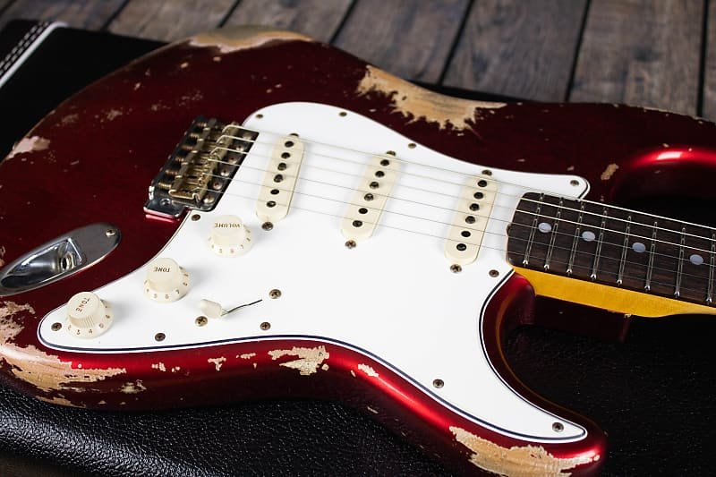 Fender '69 Custom Shop Stratocaster, Heavy Relic- Candy Apple Red (7lbs 12oz)