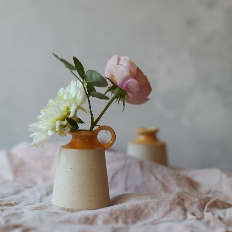 Mini vase with hoop