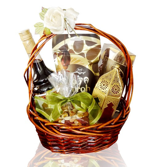Sweet Dates Nuts Gift Basket Dubai