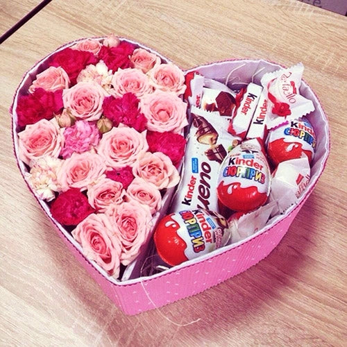 Kinder Chocolate & Roses Gift UAE