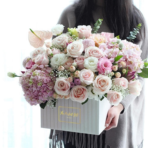 Luxury Flower Gift Delivery to UAE