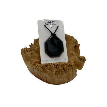 split-design-coffs-harbour-jewellery-art-black-resin-pendant-necklace-dia-bl001