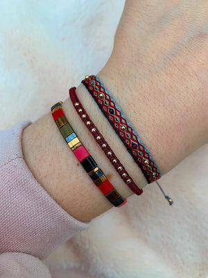 TILA BRACELET IN RED TONES