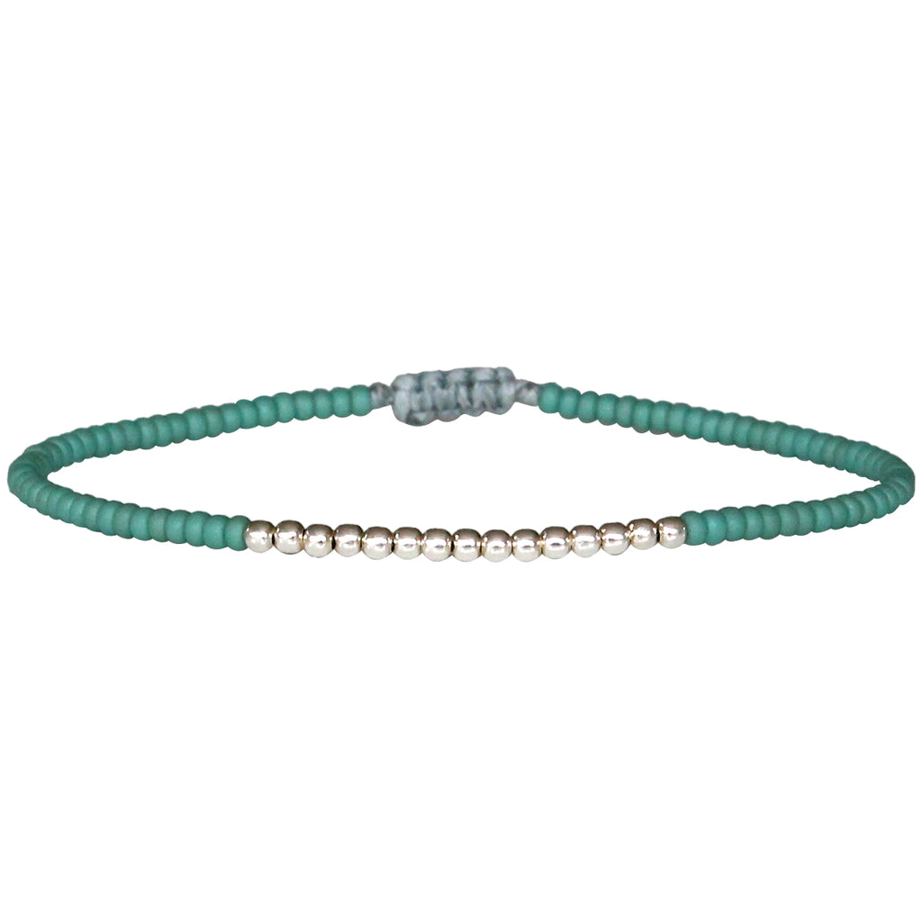 PETITE BRACELET IN TURQUOISE AND STERLING SILVER BEADS