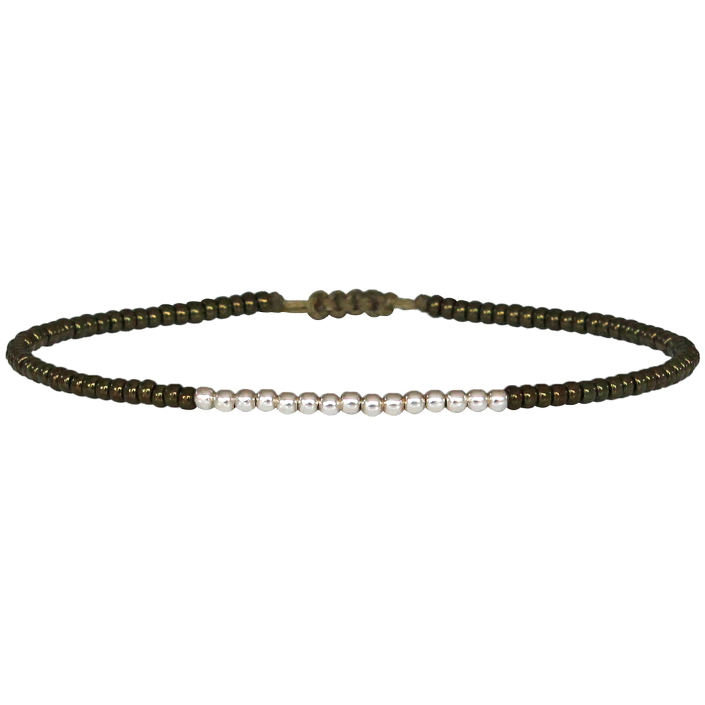 PETITE BRACELET IN SHINY OLIVE AND STERLING SILVER BEADS DETAILS