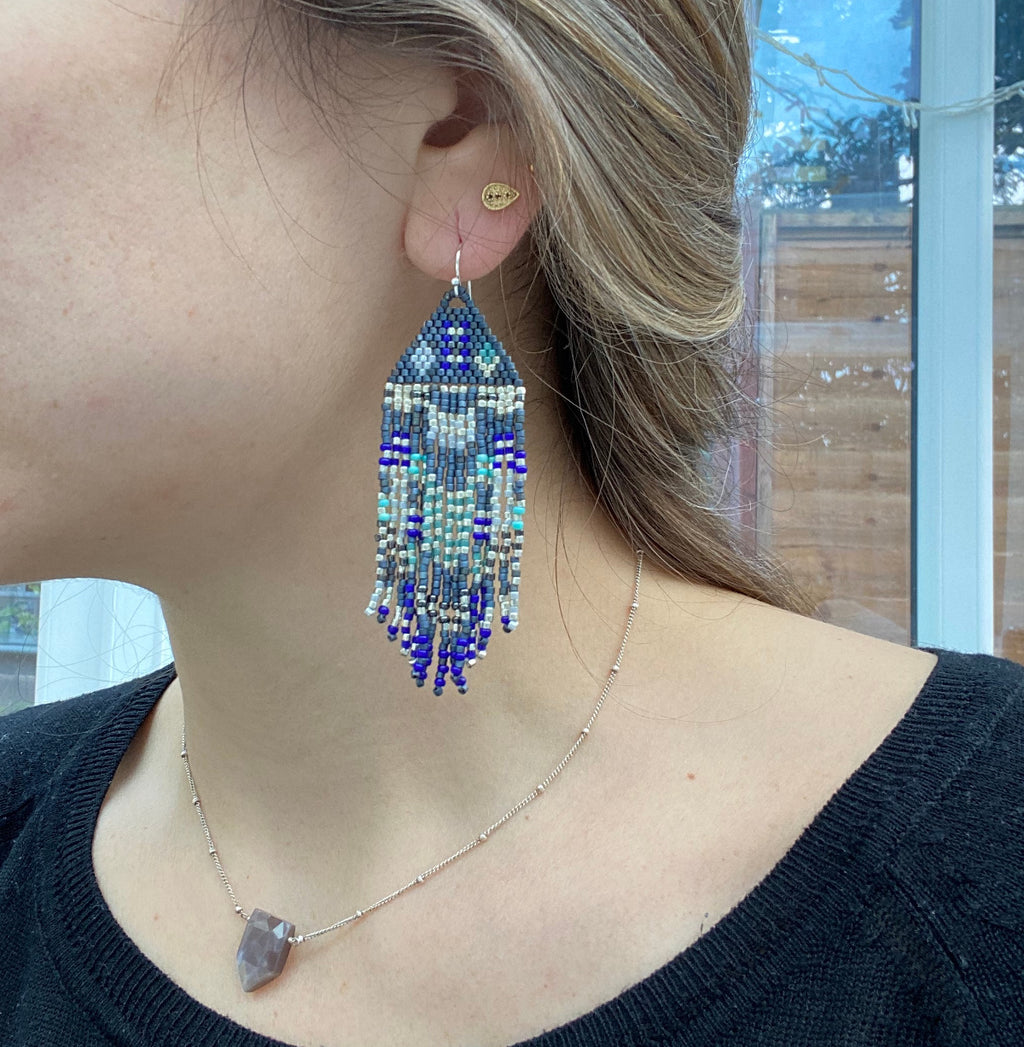 PYRAMID EARRINGS IN BLUE, GREY & SILVER