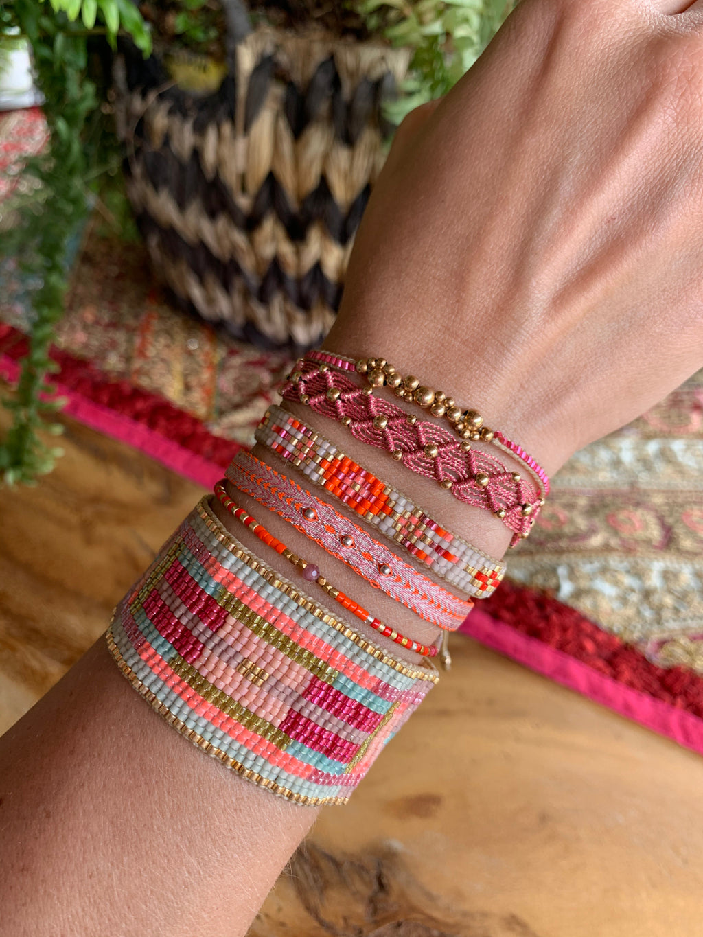 BEAD WEB HANDWOVEN BRACELET IN PINK & GOLD