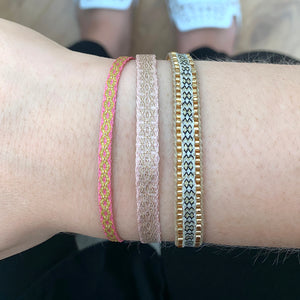 BASIC HANDWOVEN BRACELET IN PASTEL TONES & GOLD