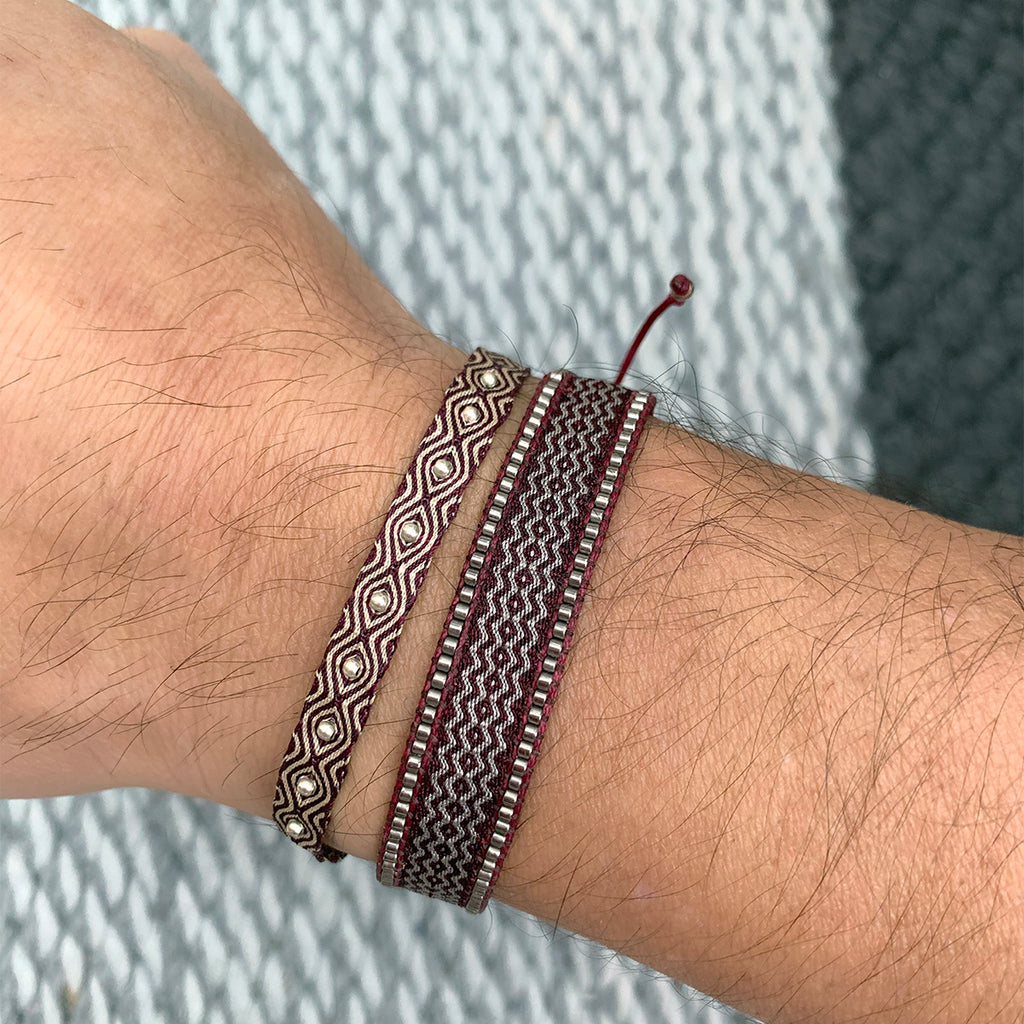 HANDWOVEN BRACELET IN BURGUNDY TONES WITH BEADS FOR HIM