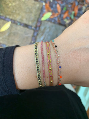 COLORS BRACELET IN PINK AND GOLD TONES