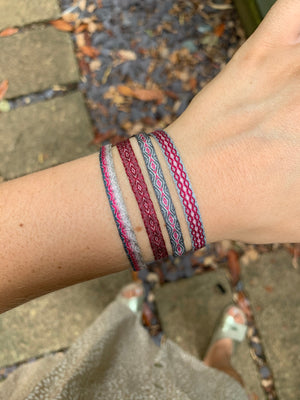 SET OF FOUR BASIC BRACELETS IN PINK AND GREY TONES