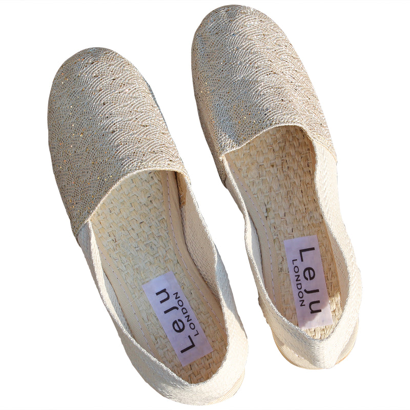 ESPADRILLES IN GOLD