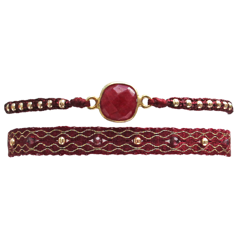 SET OF TWO BRACELETS IN BURGUNDY AND GOLD TONES