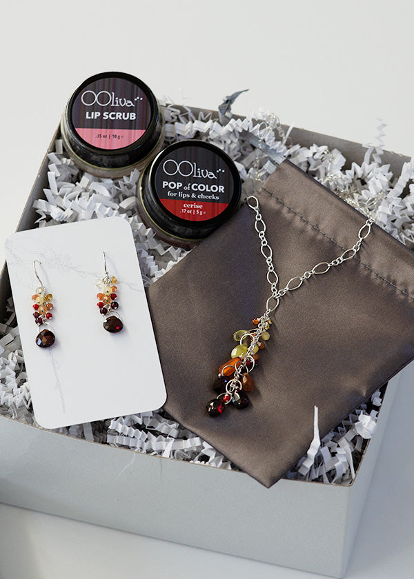 mother's day gift for the woman who likes to sparkle_mama bear gift set by Seattle artists CG Sculpture and Jewelry and Ooliva
