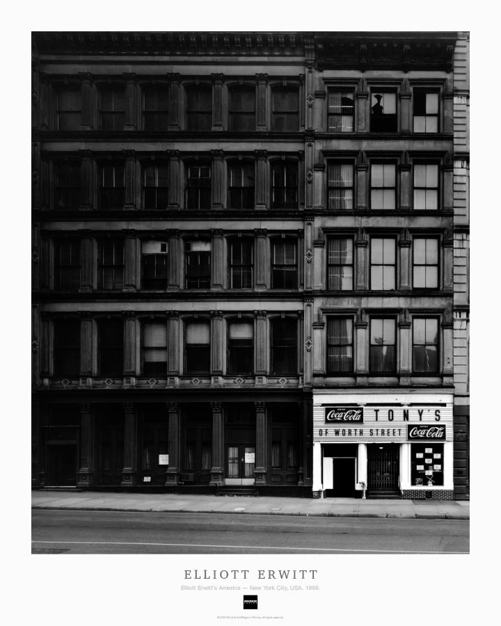 Magnum Collection Poster: Elliott Erwitt's America — New York City, USA. 1969.