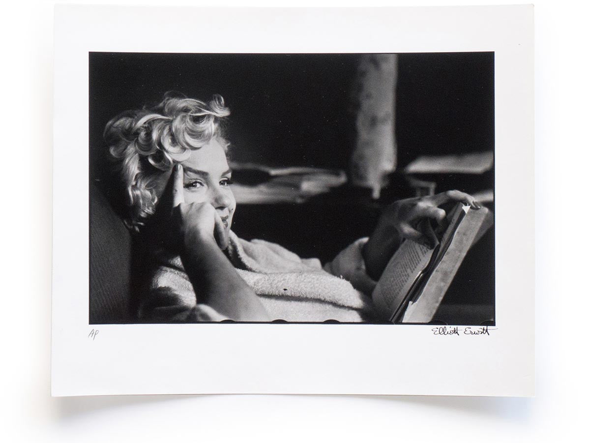 Elliott Erwitt Snaps Collector's Edition with Signed Print of Marilyn Monroe, New York, 1956