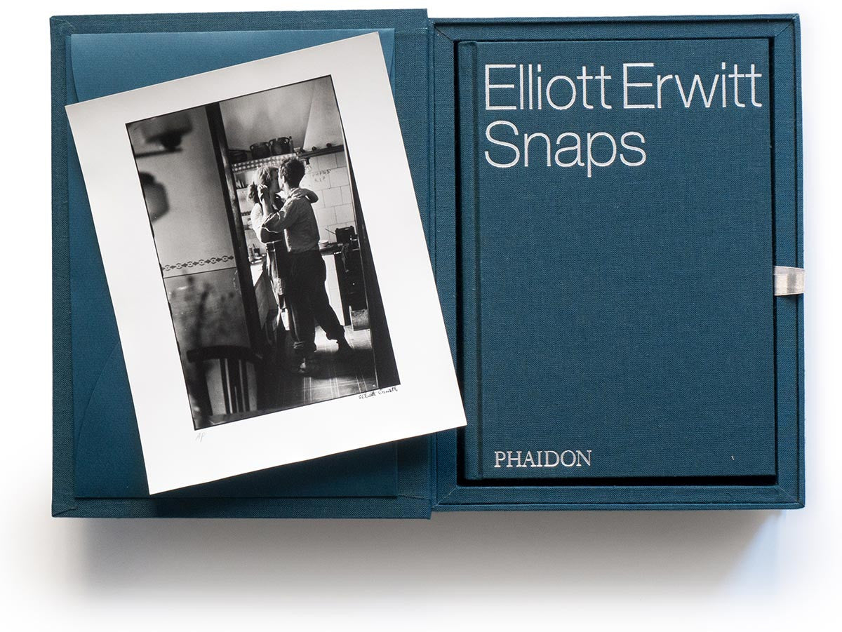 Elliott Erwitt Snaps Collector's Edition with Signed Book and Print of Valencia, Spain, 1952