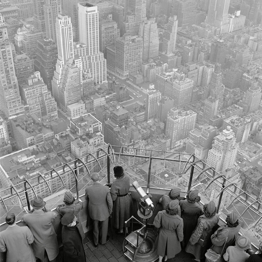 The Empire State Building observation deck on the 86th floor. New York City, 1950.