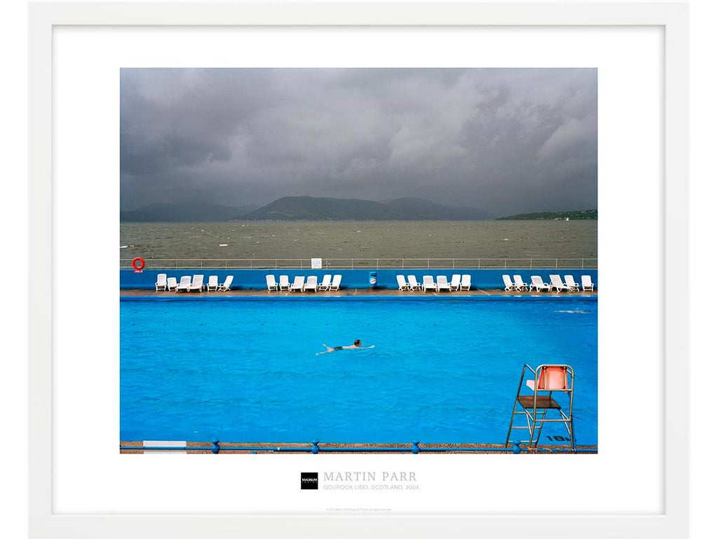 Magnum Collection Poster: Gourock Lido, Scotland. 2004.