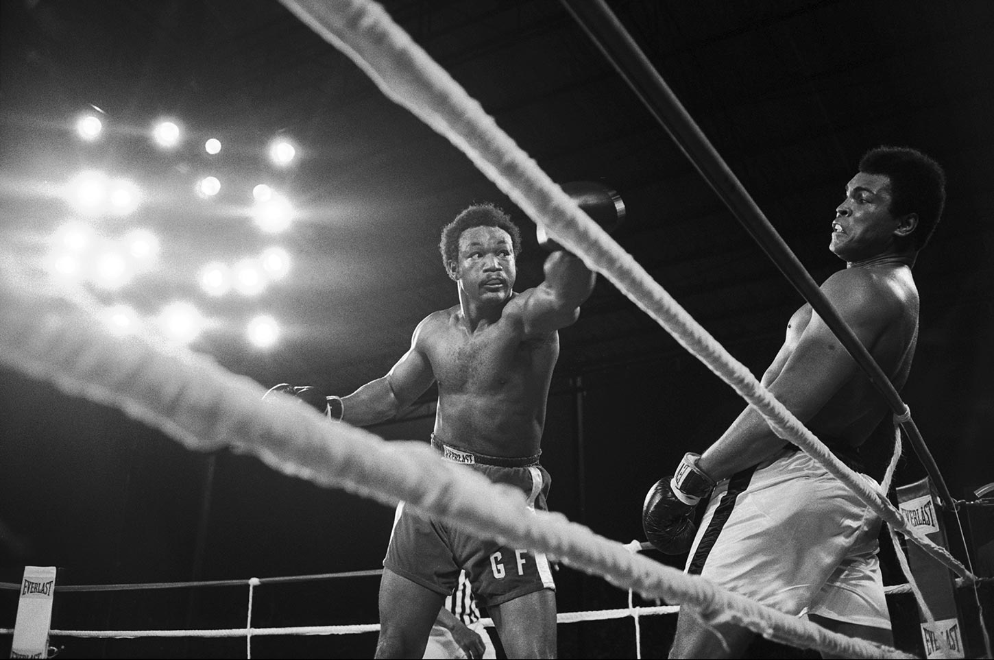 Muhammad Ali avoids a punch by George Foreman. Democratic Republic of the Congo. Ocotober 30, 1974.