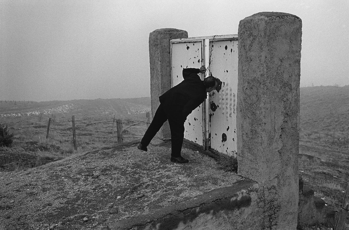Abbas Kiarostami on the hills surrounding the capital. Tehran, Iran. 1997.