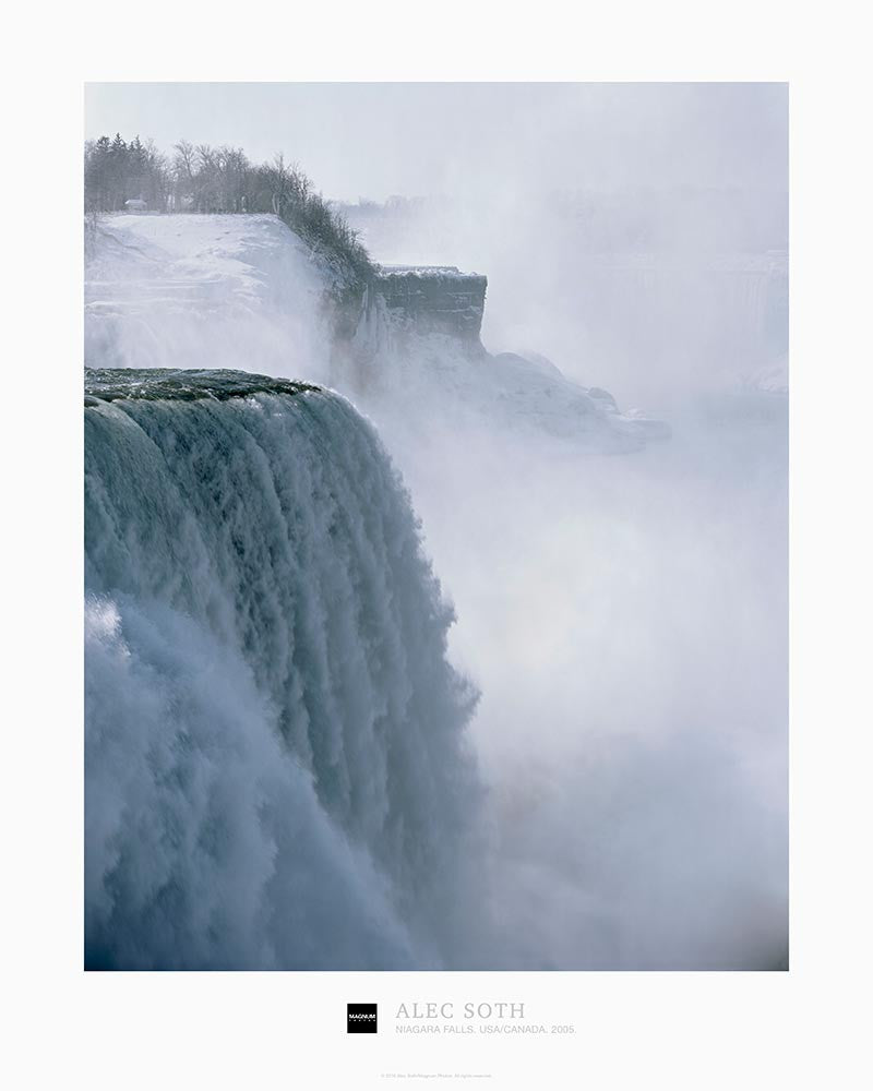Magnum Collection Poster: Niagara Falls. USA/Canada. 2005.