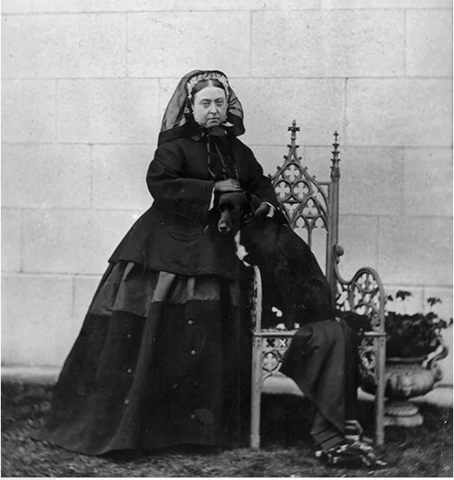 queen victoria in extended mourning widows weeds dressed in black