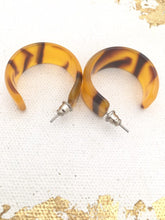 Load image into Gallery viewer, Vintage Thick Hoop Earrings Orange & Brown Plastic earrings, Big 80s earrings Animal print earrings