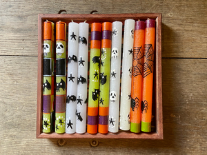Five variations of the Halloween candle! Bats, stars, skulls, spider webs! In black, white, orange, purple, and lime green.