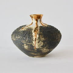 VASE WITH MEDIUM NECK - GOLD
